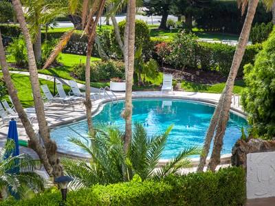Copropriété for sales at PARK SHORE - HORIZON HOUSE 3951  Gulf Shore Blvd  N 105 Naples, Florida 34103 États-Unis