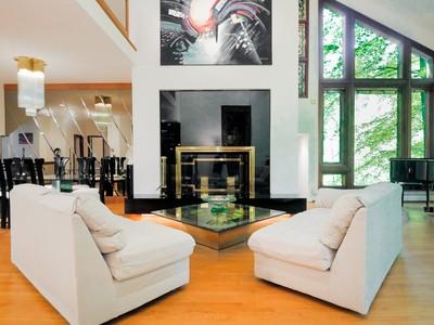 Einfamilienhaus for sales at Kinyon Place 6130 Kinyon Pl  McLean, Virginia 22101 Vereinigte Staaten