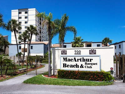 共管式独立产权公寓 for sales at MACARTHUR BEACH 700  Golden Beach Blvd 639 Venice, 佛罗里达州 34285 美国