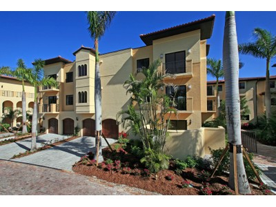 Nhà chung cư for sales at OLD NAPLES- VILLAS ESCALANTE 250  5th Ave  S 302  Naples, Florida 34102 Hoa Kỳ