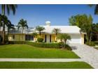 Villa for  sales at MARCO ISLAND - POLYNESIA 334  Polynesia Ct   Marco Island, Florida 34145 Stati Uniti