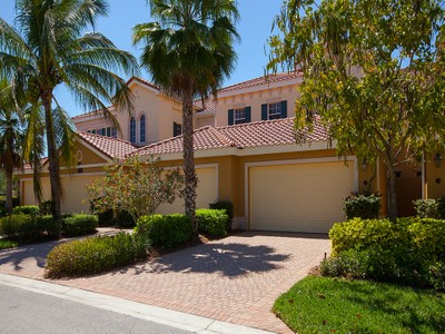 Copropriété for sales at FIDDLERS' CREEK - LAGUNA 9255  Museo Cir 102  Naples, Florida 34114 États-Unis