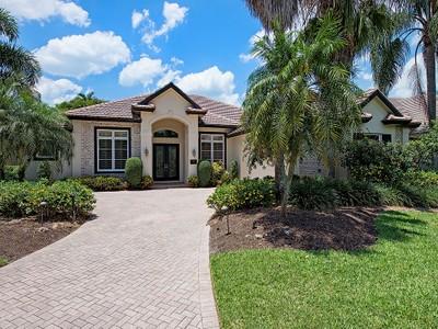 Moradia for sales at GREY OAKS - MEWS 3262  Sedge Pl Naples, Florida 34105 Estados Unidos