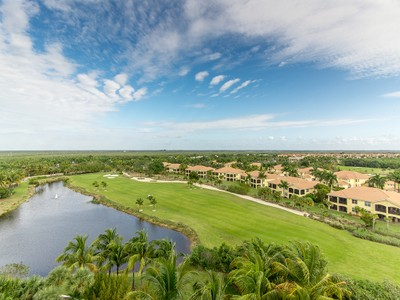 Condominio for sales at HAMMOCK BAY - AVERSANA 1060  Borghese Ln 701 Naples, Florida 34114 United States