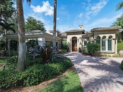 Maison unifamiliale for sales at GREY OAKS - VENEZIA 1713  Venezia Way Naples, Florida 34105 États-Unis