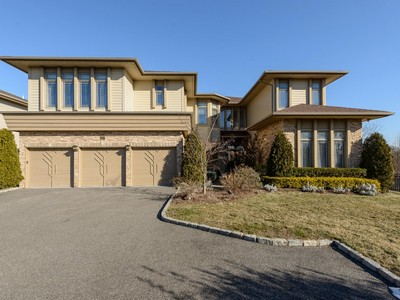 Condominium for sales at Homeowner Assoc 21 Kettlepond Rd  Jericho, New York 11753 United States