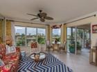 共管式独立产权公寓 for sales at MARCO ISLAND - ISLANDER COVE 900  Collier Ct 303 Marco Island, 佛罗里达州 34145 美国