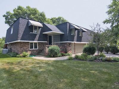 Casa multifamiliare for sales at 5221 Malibu Dr , Edina, MN 55436 5221  Malibu Dr Edina, Minnesota 55436 Stati Uniti