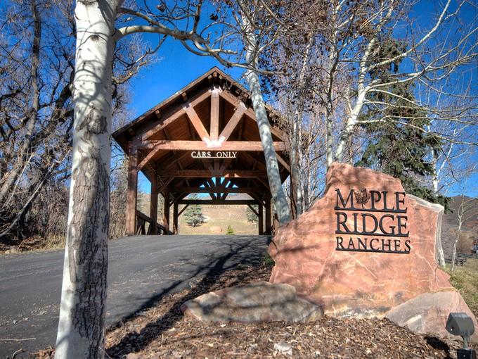 地產 for sales at Twenty Five Acres in Exclusive, Gated Community 6043 N Maple Ridge Trl Lot 34 Oakley, 猶他州 84055 美國