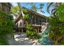 단독 가정 주택 for sales at LONG BEACH 6821  Hughes St   Longboat Key, 플로리다 34228 미국