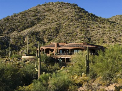 Villa for sales at One of the Finest Properties in Southwestern US 42232 N 104th Way Scottsdale, Arizona 85262 Stati Uniti