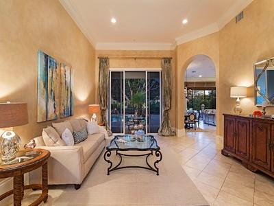 Частный односемейный дом for sales at GREY OAKS - ISLA VISTA 2056  Isla Vista Ln Naples, Флорида 34105 Соединенные Штаты