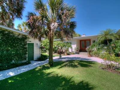 Single Family Home for sales at CASEY KEY 805  Casey Key Rd Nokomis, Florida 34275 United States