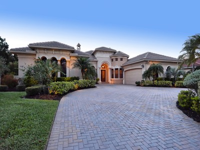 Частный односемейный дом for sales at LAKEWOOD RANCH COUNTRY CLUB VILLAGE 7018  Belmont Ct Lakewood Ranch, Флорида 34202 Соединенные Штаты