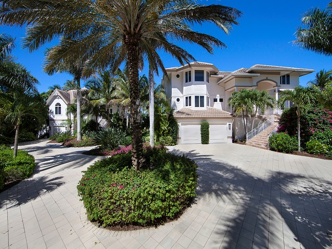 Maison unifamiliale for sales at CAPTIVA 16682  Captiva Dr Captiva, Florida 33924 États-Unis