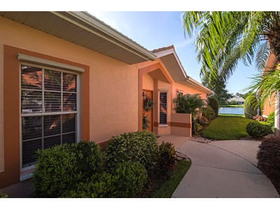 Casa Unifamiliar Adosada for sales at WALDEN SHORES - WALDEN SHORES 7002  Lone Oak Blvd Naples, Florida 34109 Estados Unidos
