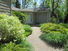 단독 가정 주택 for sales at Ranch 2118 Rte. 106 Rd Muttontown, 뉴욕 11791 미국