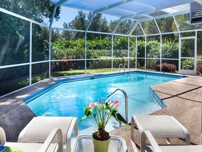 Maison unifamiliale for sales at PELICAN BAY - ST ANDREWS 708  Heathery Ln Naples, Florida 34108 États-Unis