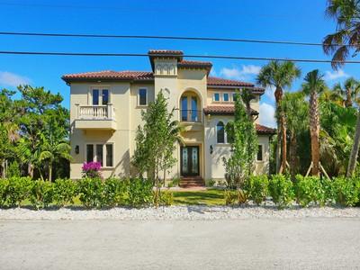 Einfamilienhaus for sales at CASEY KEY 2508  Casey Key Rd   Nokomis, Florida 34275 Vereinigte Staaten