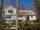 Maison unifamiliale for sales at Colonial 9 Copter Ct Huntington, New York 11743 États-Unis