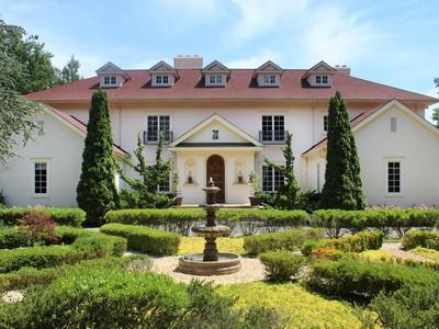 Villa for sales at Aldandale   Old Field, New York 11733 Stati Uniti