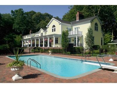 단독 가정 주택 for sales at Colonial 9 Merrymeeting Ln Lloyd Harbor, 뉴욕 11743 미국