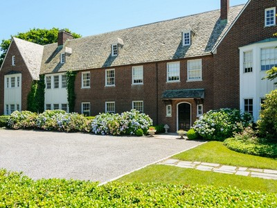 Single Family Home for sales at Traditional 25 Crane Rd Lloyd Harbor, New York 11743 United States