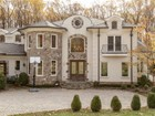 Einfamilienhaus for  sales at 8315 Old Dominion Drive, Mclean  McLean, Virginia 22102 Vereinigte Staaten