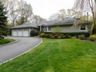 Einfamilienhaus for  sales at Ranch 2052 Crest Rd Muttontown, New York 11791 Vereinigte Staaten