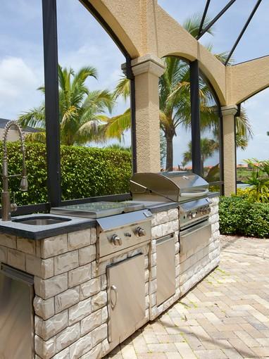 Частный односемейный дом for sales at FIDDLER'S CREEK - SAUVIGNON 3283  Hyacinth Dr Naples, Флорида 34114 Соединенные Штаты