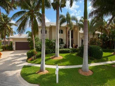 Casa para uma família for sales at MARCO ISLAND 730  Hull Ct Marco Island, Florida 34145 Estados Unidos