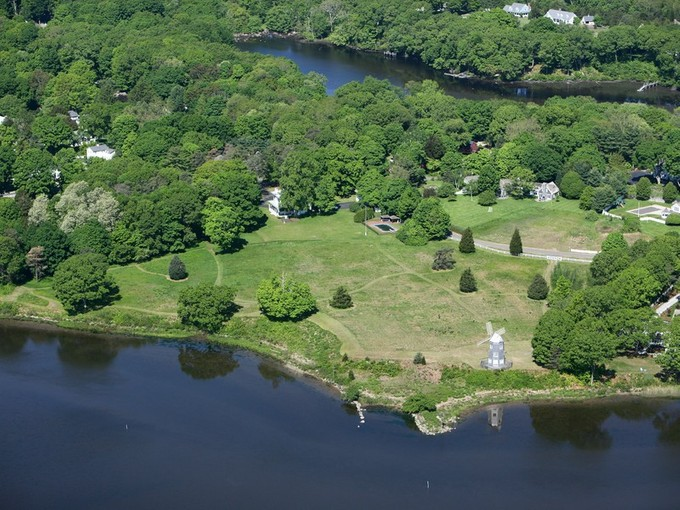 Land for sales at Waterfront Building Lot Foxboro Road Lot# 2  Essex, Connecticut 06426 Vereinigte Staaten