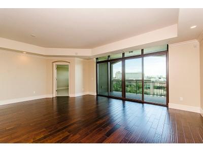 Кооперативная квартира for sales at THE STRADA AT MERCATO 9115  Strada Pl 5508  Naples, Флорида 34108 Соединенные Штаты