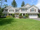 Maison unifamiliale for  sales at Colonial 183 Northwoods Rd Manhasset, New York 11030 États-Unis