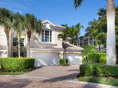 Nhà chung cư for sales at PELICAN BAY - POINTE 515  Via Veneto 102 Naples, Florida 34108 Hoa Kỳ