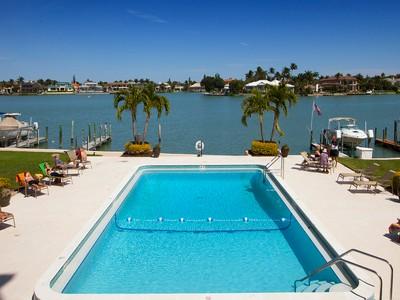Copropriété for sales at THE MOORINGS - MADRID CLUB 3430  Gulf Shore Blvd  N 5-D Naples, Florida 34103 États-Unis