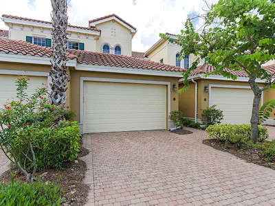 Copropriété for sales at FIDDLER'S CREEK - LAGUNA 9288  Grassi Way 102  Naples, Florida 34114 États-Unis