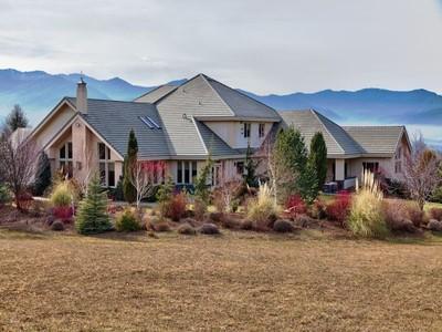 Maison unifamiliale for sales at 1650 Butler Creek Road   Ashland, Oregon 97520 États-Unis