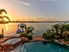 단독 가정 주택 for  sales at REDINGTON BEACH 16480  Redington Dr Redington Beach, 플로리다 33708 미국