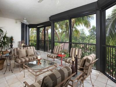 Condominio for sales at BAY COLONY - TOSCANA 8960  Bay Colony Dr 204 Naples, Florida 34108 Stati Uniti