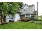 Casa Unifamiliar for  sales at Split 28 Ridge Dr  Westbury, Nueva York 11590 Estados Unidos