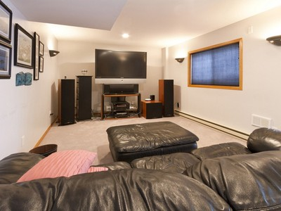 Maison unifamiliale for sales at 8879 Saint Croix Rd , Woodbury, MN 55125 8879  Saint Croix Rd Woodbury, Minnesota 55125 États-Unis
