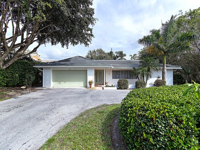 Single Family for rentals at 3600 Crayton Rd  Naples, Florida 34103 United States