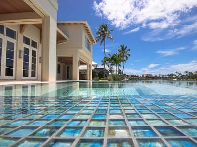 Nhà ở một gia đình for sales at THE MOORINGS 2571  Windward Way Naples, Florida 34103 Hoa Kỳ