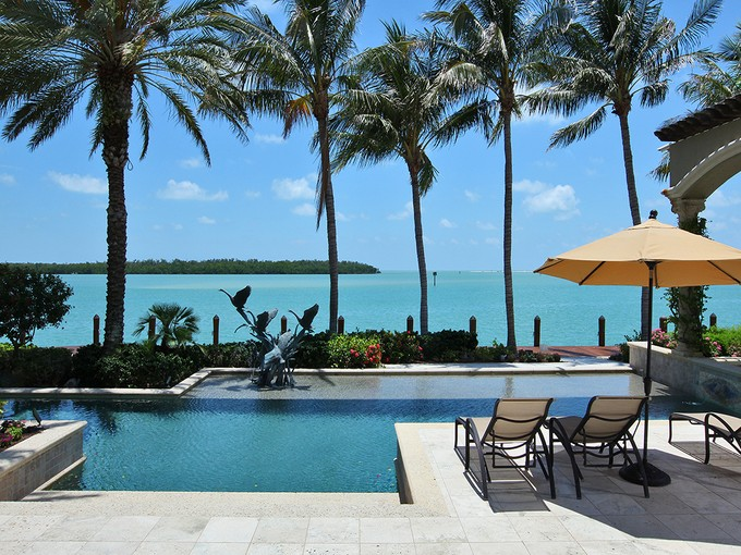 Villa for sales at MARCO ISLAND - ESTATES 1549  Heights Ct Marco Island, Florida 34145 Stati Uniti