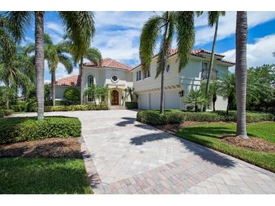 Casa para uma família for sales at PORT ROYAL 3525  Rum Row Naples, Florida 34102 Estados Unidos