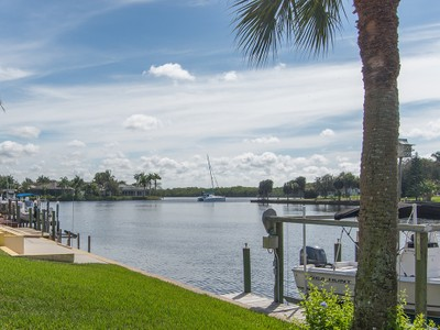 Einfamilienhaus for sales at PORT OF THE ISLANDS 110  Morning Star Cay Naples, Florida 34114 Vereinigte Staaten