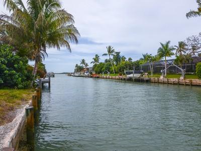 土地,用地 for sales at MARCO ISLAND - CAXAMBAS DRIVE 1085  Caxambas Ct Marco Island, 佛罗里达州 34145 美国