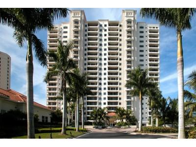 共管物業 for sales at PELICAN BAY - MARBELLA AT PELICAN BAY 7425  Pelican Bay Blvd 405  Naples, 佛羅里達州 34108 美國