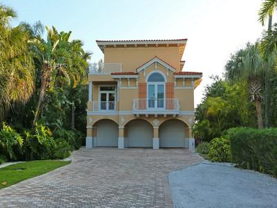 共管式独立产权公寓 for sales at BELLA VISTA 106  74th St 100  Holmes Beach, 佛罗里达州 34217 美国
